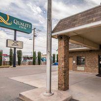 Quality Inn & Suites Near White Sands
