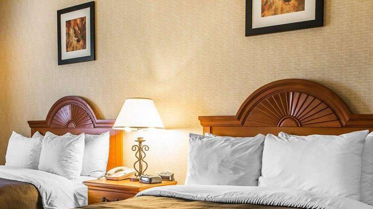 Quality Inn Sidney Room