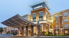 Cambria hotel & suites Akron - Canton