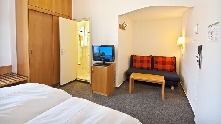 Hotel Berliner Hof Room