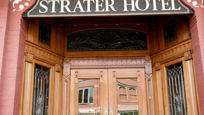 Strater Hotel