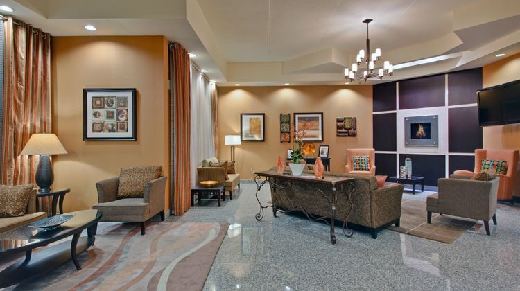 Holiday Inn and Suites Windsor Lobby