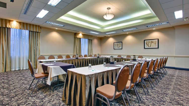 Holiday Inn and Suites Windsor Meeting