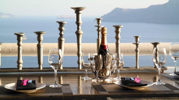 Art Maisons Aspaki and Oia Castle Hotel Restaurant