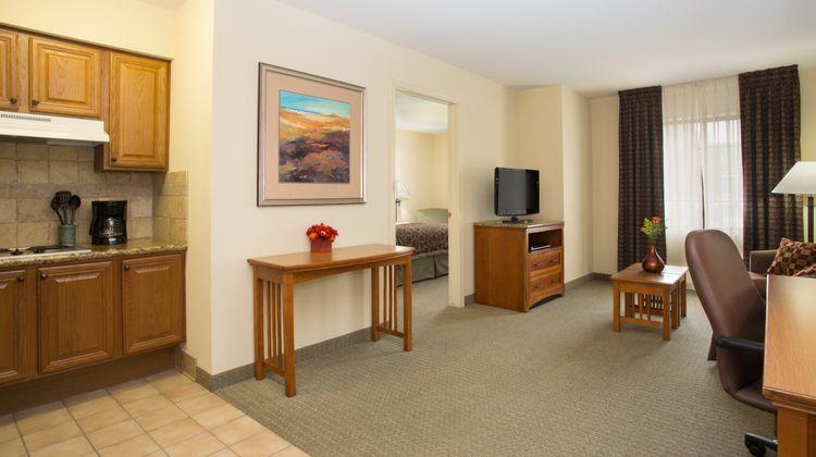 Staybridge Suites Lincoln I-80 Suite