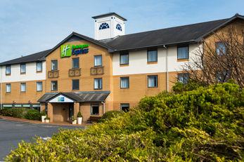 Holiday Inn Express Swansea-West