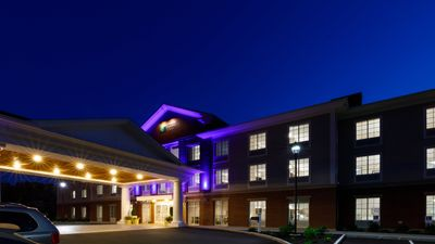 Holiday Inn Express & Suites Sturbridge