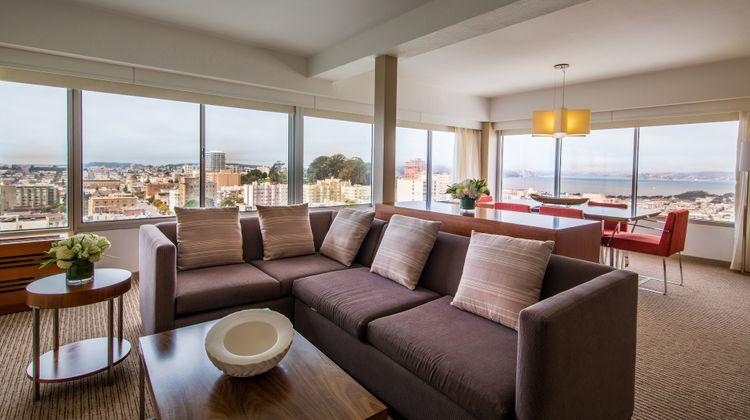 Holiday Inn Golden Gateway Suite