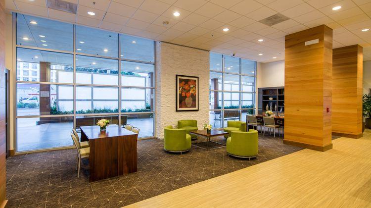 Holiday Inn Golden Gateway Lobby