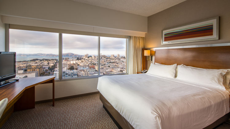 Holiday Inn Golden Gateway Room