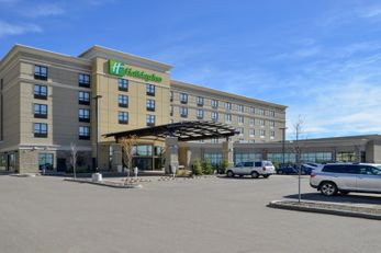Holiday Inn and Suites Edmonton Airport