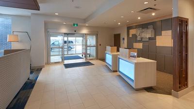 Holiday Inn Express/Suites St Johns Arpt
