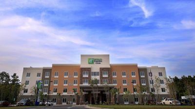 Holiday Inn Express & Stes Southport