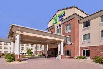 Holiday Inn Express & Stes Emporia NW
