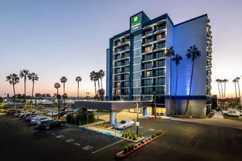 Holiday Inn Express & Suites Santa Ana