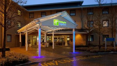 Holiday Inn Express Milton Keynes Hotel