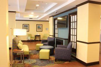 Holiday Inn Express & Suites Lebanon
