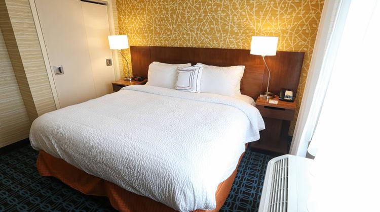 Fairfield Inn & Suites Madison/Verona Suite