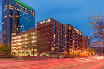 Courtyard by Marriott Downtown