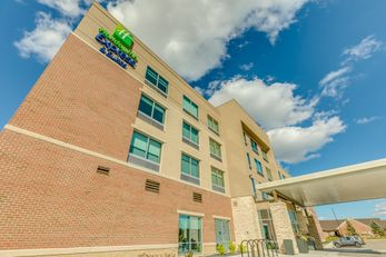 Holiday Inn Express & Suites Okemos MSU