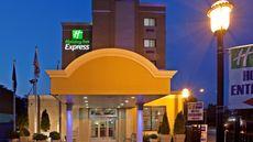 Holiday Inn Express La Guardia Airport