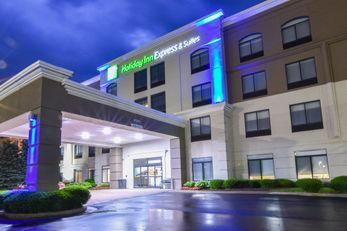 Holiday Inn Express & Suites Northwest