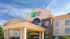 Holiday Inn Express Hotel & Suites N