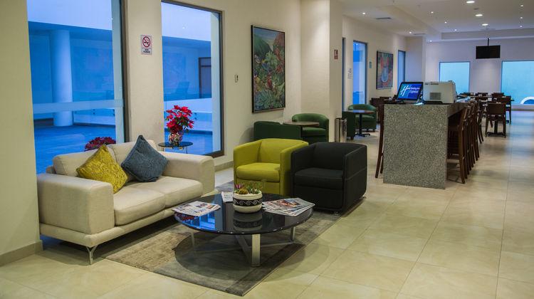 Holiday Inn Express Xalapa Lobby