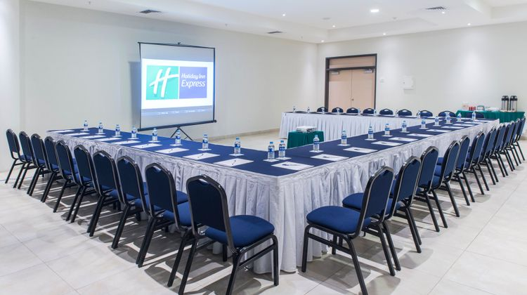 Holiday Inn Express Xalapa Meeting