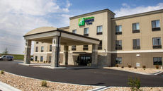 Holiday Inn Express & Suites Sikeston SW