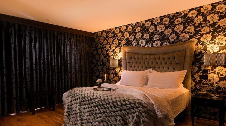 The Twelve Hotel Suite