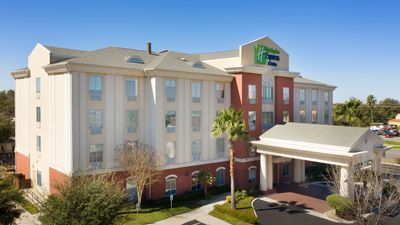 Holiday Inn Express Hotel & Suites Uvald