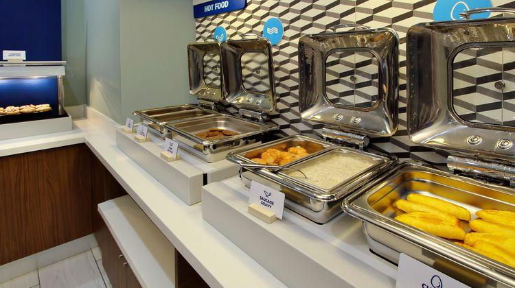 Holiday Inn Express & Suites Effingham Restaurant