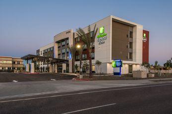 Holiday Inn Express & Stes Happy Valley