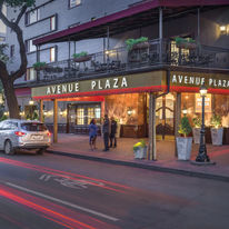 Wyndham Avenue Plaza Resort