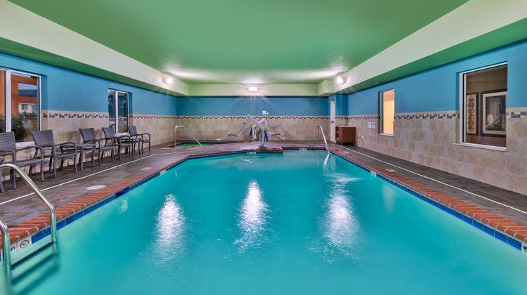 Holiday Inn Express & Suites Effingham Pool