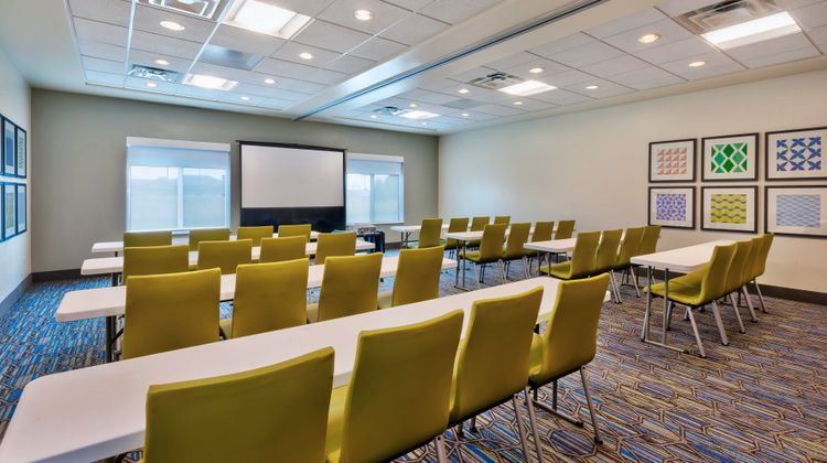 Holiday Inn Express & Suites Effingham Meeting