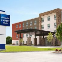 Holiday Inn Express & Suites Dayton East
