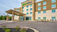 Holiday Inn Express & Suites Versailles