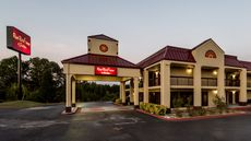 Red Roof Inn & Suites Clinton