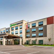 Holiday Inn Express & Suites West Allis