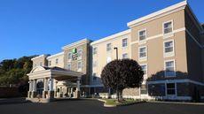 Holiday Inn Express & Sts Danbury