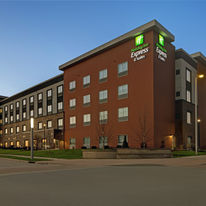 Holiday Inn Express & Suites Brookfield