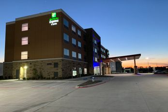 Holiday Inn Express & Suites-Wylie West