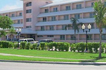 Castaways Resort & Suites