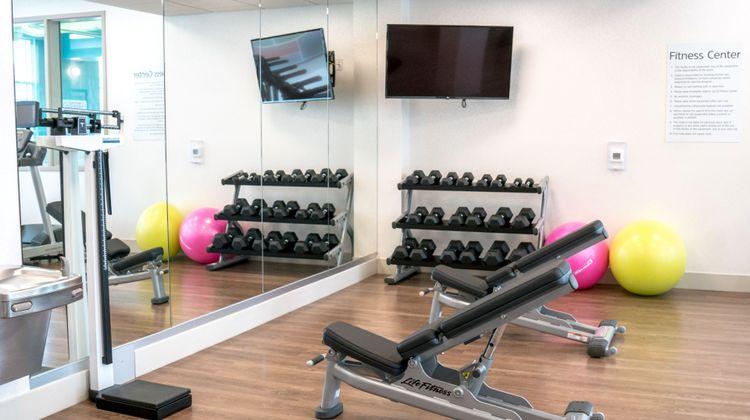 Holiday Inn Express & Suites Brandon Health Club