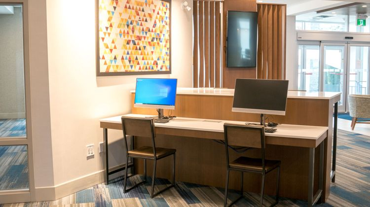 Holiday Inn Express & Suites Brandon Other