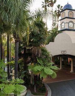 Vanllee Resort & Suites, Covina