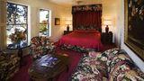 Pine Inn Suite