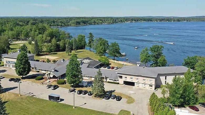 Lake Cadillac Resort Exterior